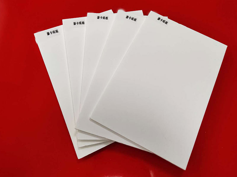 White foam core with white paper on both sides